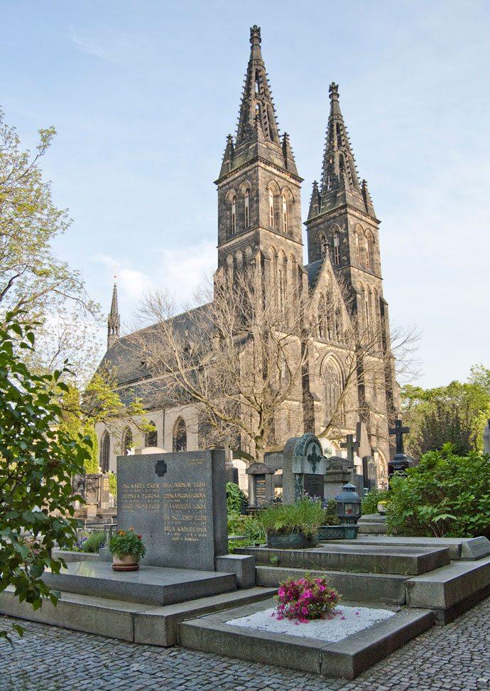 Cemitério de Vyšehrad e Basílica de São Pedro e São Paulo Praga