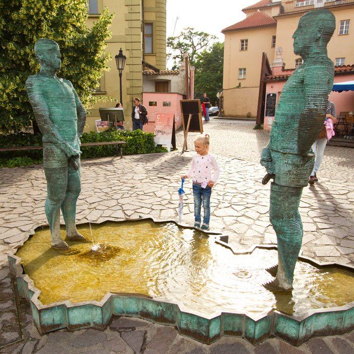 Piss David Cerny Praga