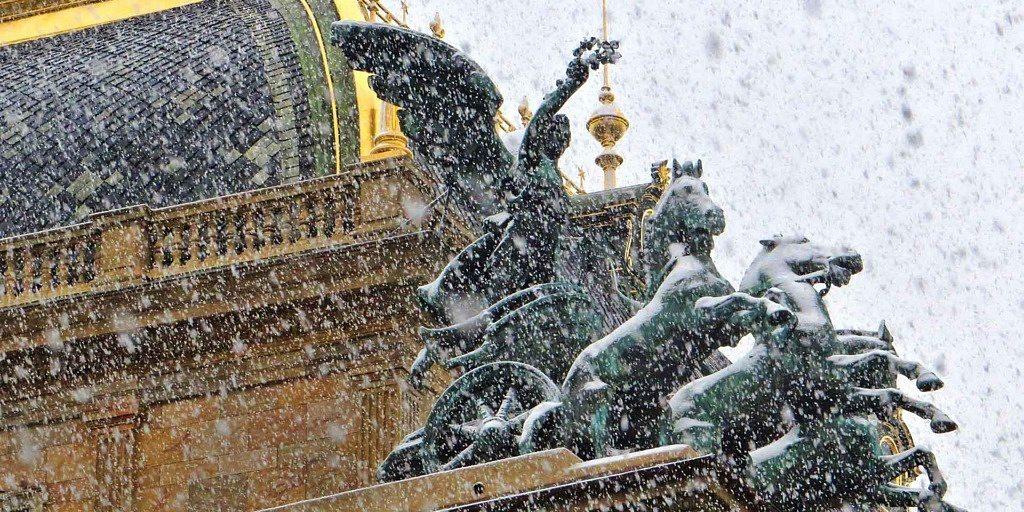 O que fazer em 3 dias em Praga: detalhe do Teatro Nacional (Národní divadlo)