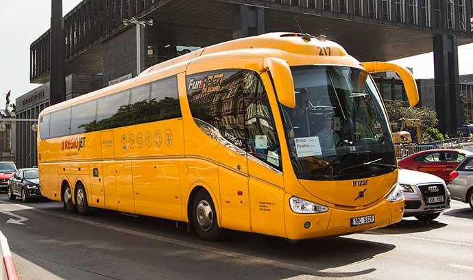 Ônibus RegioJet em Praga