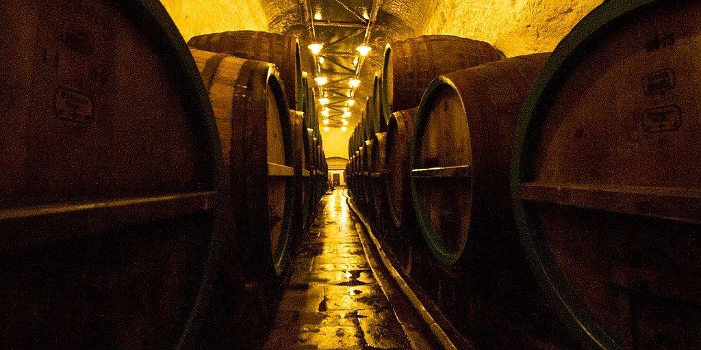 Barris de carvalho na cervejaria Pilsner Urquell