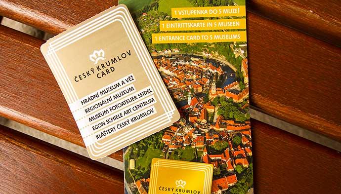 Český Krumlov Card e seu folheto de atrações