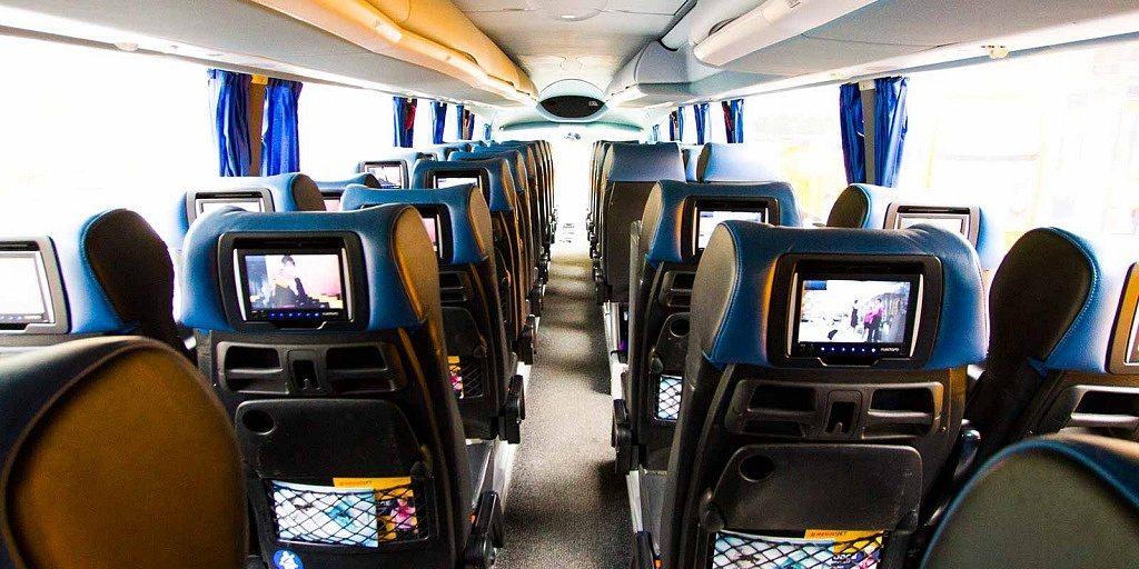 Interior do ônibus da RegioJet