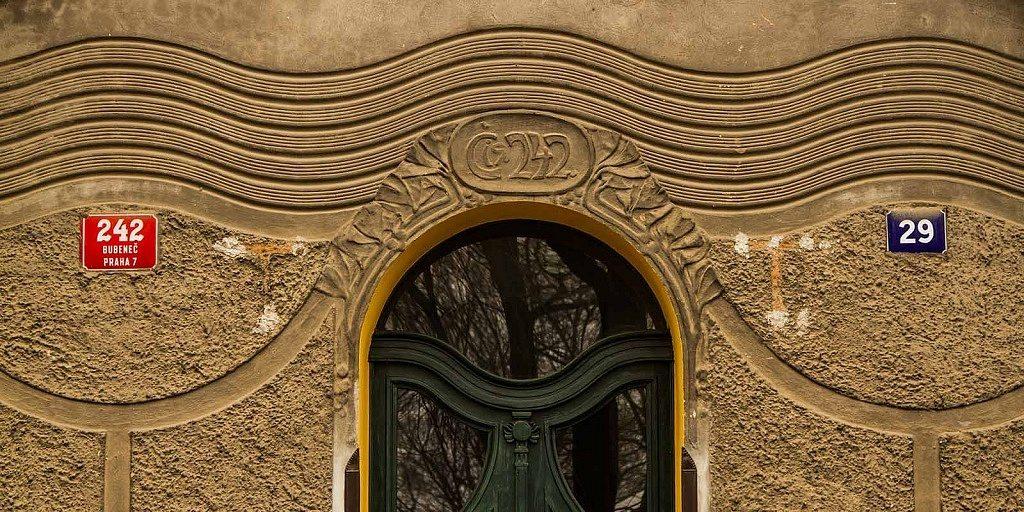 Números nos prédios de Praga