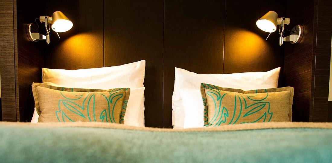 Onde ficar em Praga: cama do hotel Motel One, no bairro Cidade Nova
