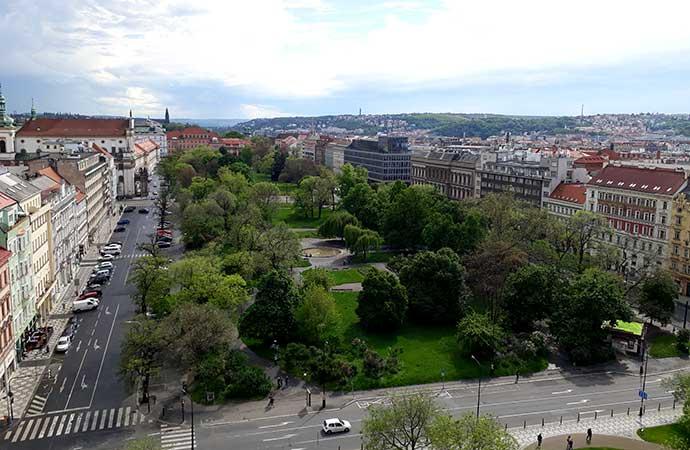 Reforma no Relógio Astronômico de Praga: vista torre da Prefeitura da Cidade Nova