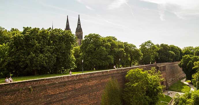 Praga: Vyšehrad vista pela lateral