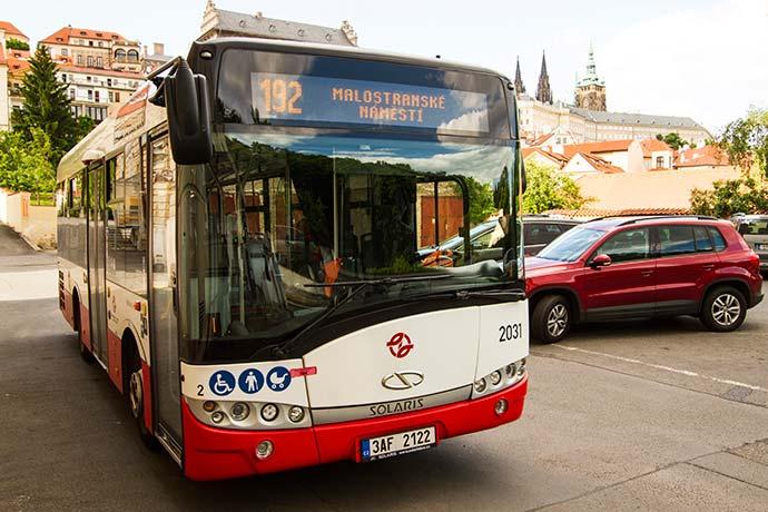 Ônibus em Praga