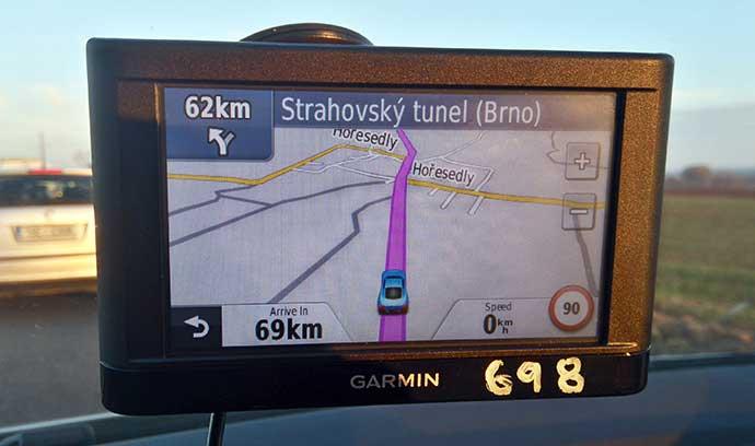Como dirigir na República Tcheca: GPS