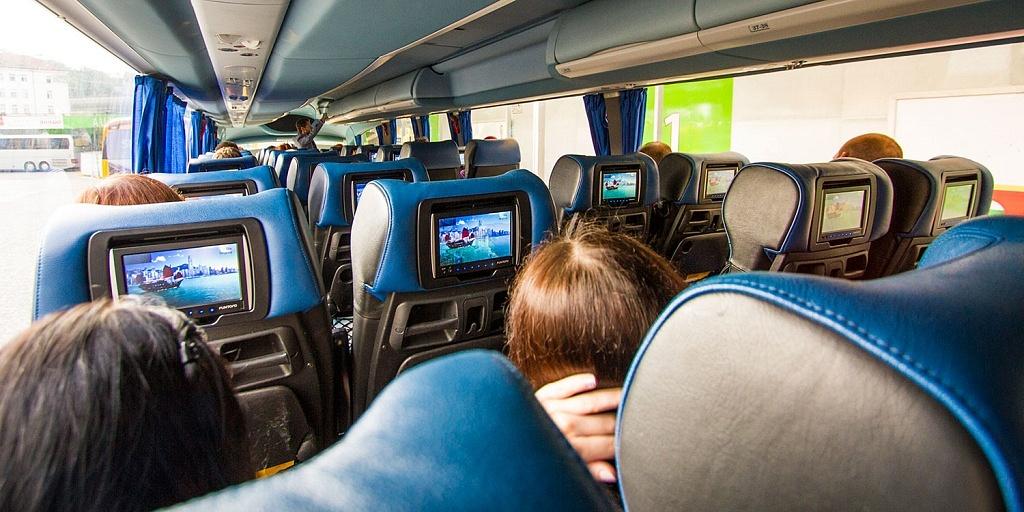 Ônibus da RegioJet: uma das melhores opções para viajar pela República Tcheca