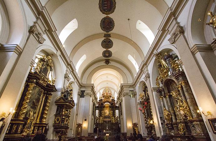 Menino Jesus de Praga: interior da Igreja da Nossa Senhora Vitoriosa